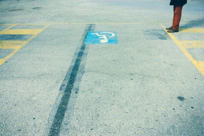 colores en el asfalto